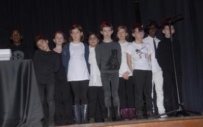 Nos élèves de cinquième primaire sur scène !