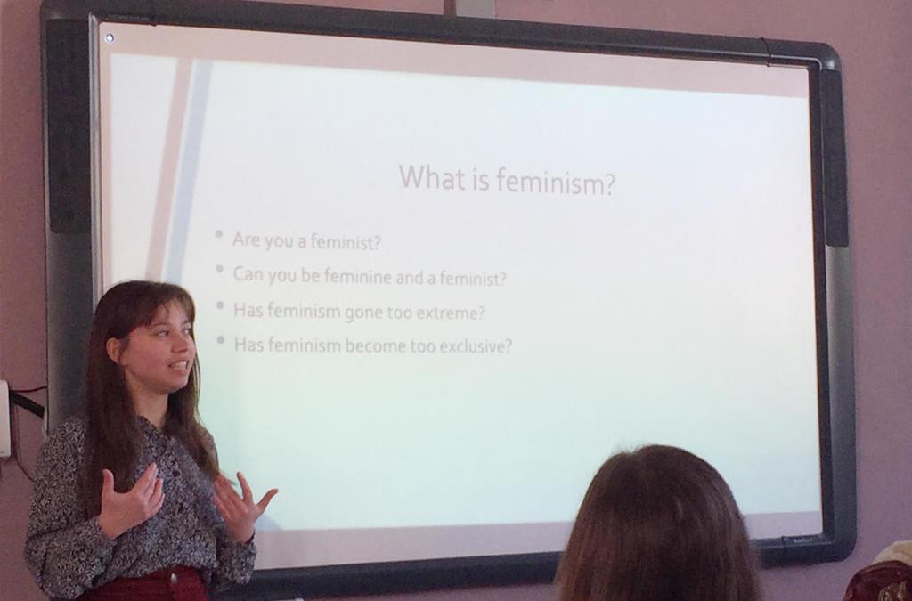 Échange en 4E sur le statut des femmes dans le monde avec une ancienne élève !