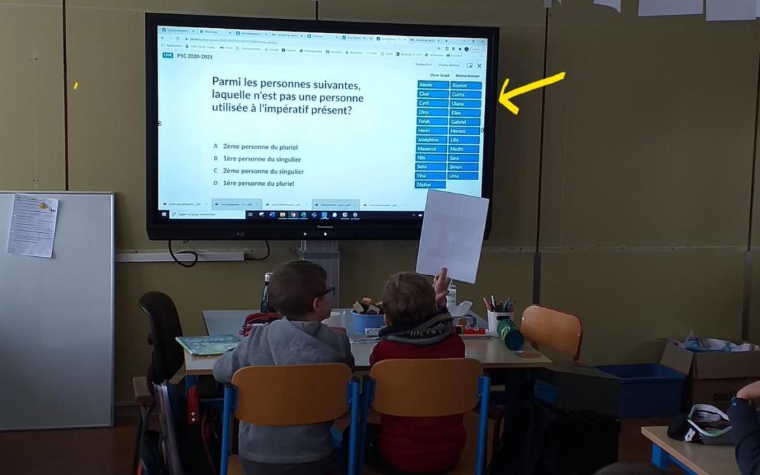 Le nouvel écran interactif de la classe de Madame Cécile (5B)